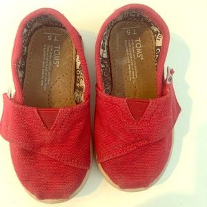 Toddler size 5 Red Toms